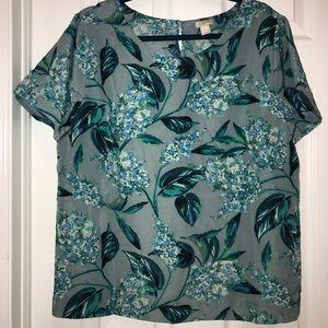 J.crew short sleeve blouse tshirt hydrangea print